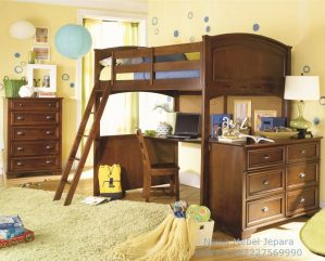kamar tidur anak kursi kayu coklat dengan floating meja komputer
