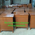 Meja-Kursi-Sekolah-siap-Bungkus-untuk-dikirim-150x150 Set Meja Kursi Sekolah Murah, Kursi Kuliah, Meja Guru, Almari Sekolah