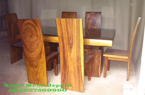 Meja Makan Minimalis kayu Trembesi