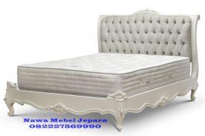 Tempat Tidur Mewah Minimalis Ukir Pengantin