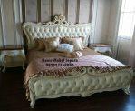 Tempat Tidur Ukir Mewah Modern Gold