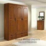 Lemari pakaian Minimalis Laci Jati 3 pintu